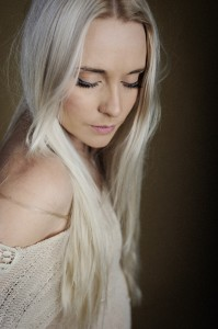 Aleyce Simmonds - Female Artist Of The Year finalist of the 2014 CMAA Country Music Awards Of Australia